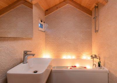 Hotel Agava in Babina - Penthouse Suit bathroom