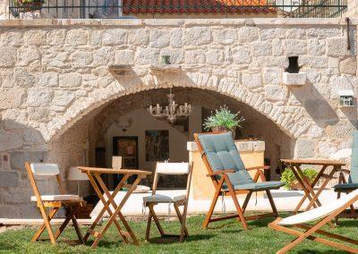 Hotel Agava in Babina - garden